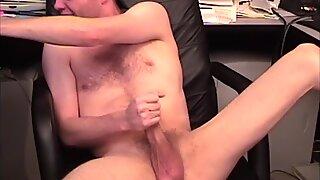 Amateur Richard Jerks Off On Webcam