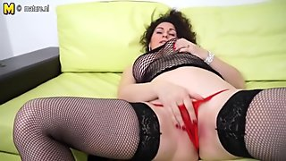 Dirty mother loves to play with her vag