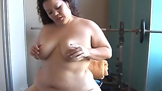 Beautiful big belly BBW brunette plays with her wet pussy for you