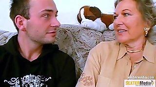 Oma verdient sich Taschengeld beim ficken dazu