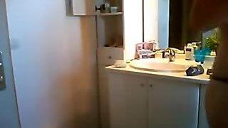 spying my redhead aunt in the bathroom