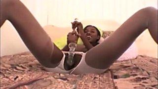 black Girl masturb with doubleheaded Dildo