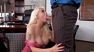 Horny blonde bitch Sandy Simmers giving hot blowjob and titsjob