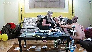 Lesbisk styvsyster tar otäck sex trekant gay & bbw brud