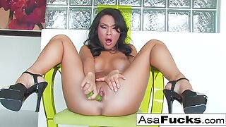 Here is a sexy ass solo of the sexy Asa Akira