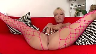 Bigtitted whore fondles her pussy