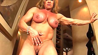 Big strong girls do it better two fitness models dildo