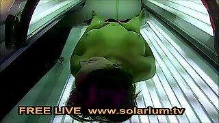 Solarium webbkamera geile cougar mit geilentitten fingert sich live www.solarium.tv