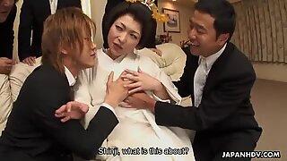 Yui Ayana knullas hårt av många kåt-killar