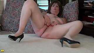 Real American mature mother Bunny with toy