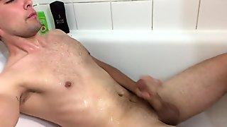 Danish Boy - Gay Porn - RasmusJTP pissing on himself and