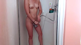 Gorgeous Babe Fucks Herself in the Shower (HD)