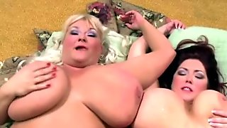 Sexy bbws get a cumshot after being fucked