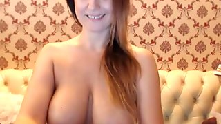 Just a quick look at some nice big natural tits