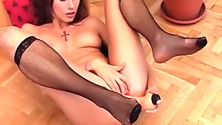 MyMaryAnne model Veronika (Gigi Lola) photo session masturbation with dildo